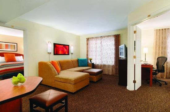 HYATT house Morristown: MORXM_P012 Suite