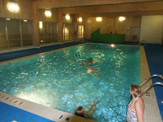 Lakeview Golf Resort and Spa: Indoor pool at the Lodge - an outdoor pool is by the Recreation center