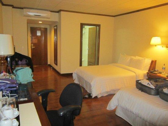 Balmoral Hotel Photo