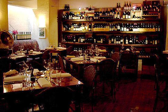 Il Solito Posto: Dinng Room