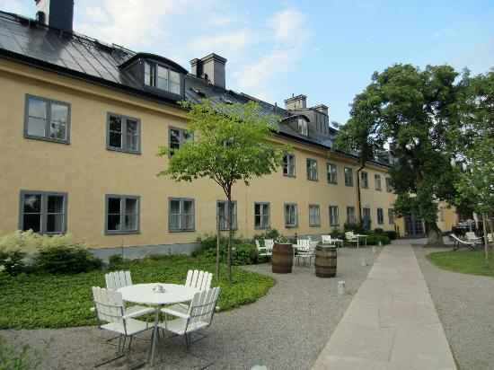 Hotel Skeppsholmen: Hotel and garden cafe