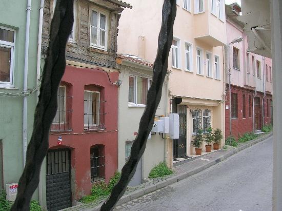 Ekim Apartments: Vista desde la ventana