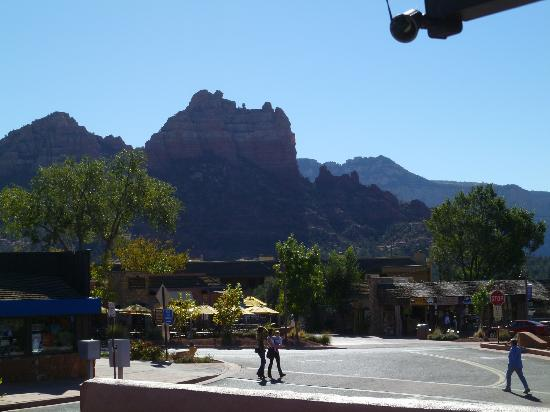 Star Motel: View of Snoopy Rock above the shopping street