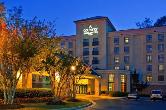 Holiday Inn Express & Suites - Atlanta Buckhead : CountryInn&Suites Buckhead,GA ExteriorNight