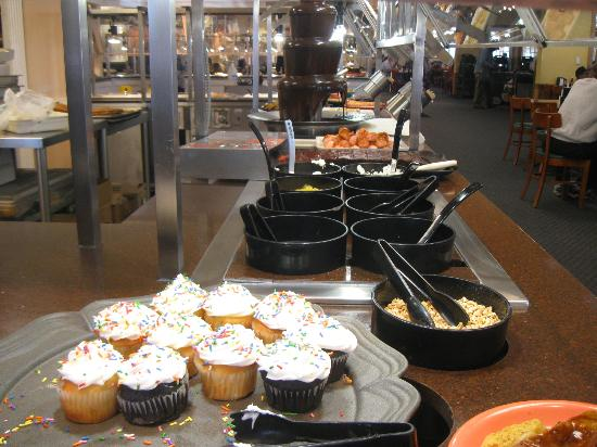 Golden Corral dessert and ice cream toppings & dessert and ice cream toppings - Picture of Golden Corral ...