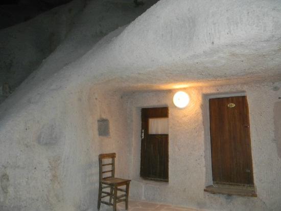 Shoe String Cave House: Habitacion