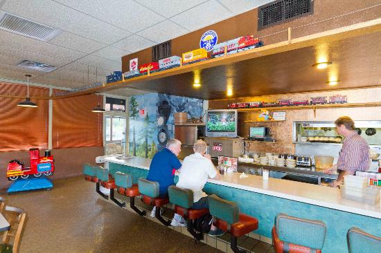 Crown Railroad Cafe: Basic Diner Eating with the bonus of a moving model train overhead