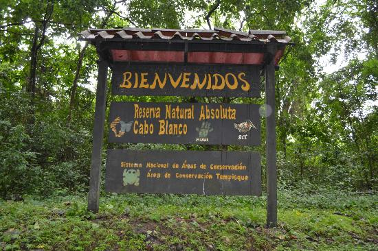 Cabo Blanco Absolute Natural Reserve: welcome sign