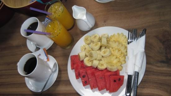 Blue Lime : In room breakfast, had fresh pancakes also.