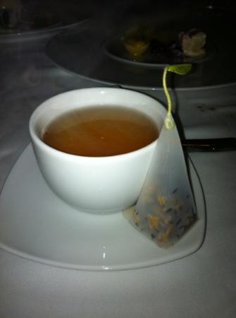 Blanca Blue Restaurant & Lounge : Forte Tea bag - so elegant!!