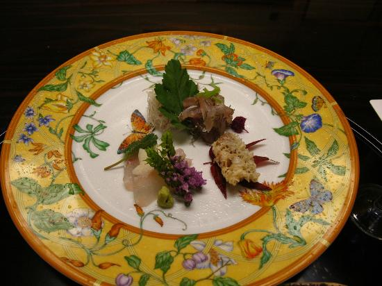 Kanamean Nishitomiya: Hermes plate used for this dish!
