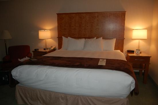 Mirabeau Park Hotel: Bed