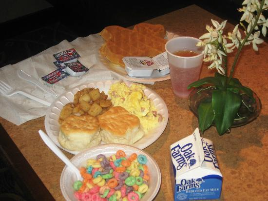 TownePlace Suites San Antonio Airport : This was just a few items off the buffet breakfast