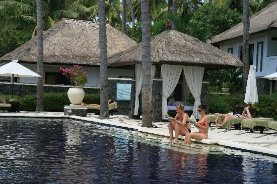 Spa Village Resort Tembok Bali: By the pool