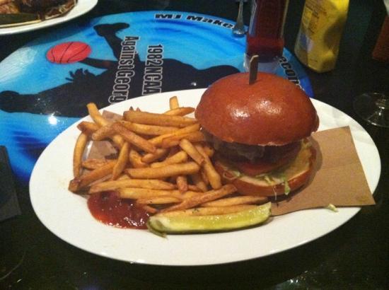 Michael Jordan's 23.Sportscafe : fast break burger