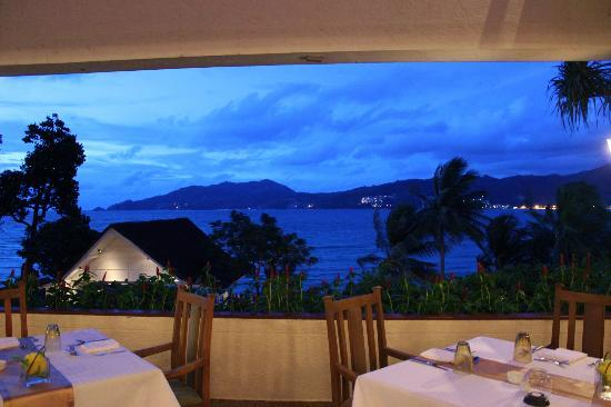 Amari Phuket: dinner with a view