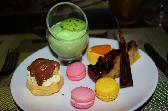 Amari Phuket: my selection of desserts