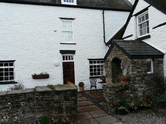 Ty Newydd B&B: Farmhouse