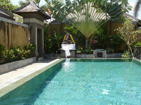 Grand Avenue Bali: La piscine principale