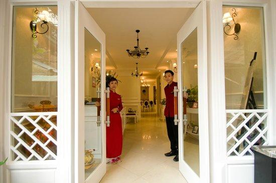 Calypso Suites Hotel: Welcome to Calypso legend hotel...