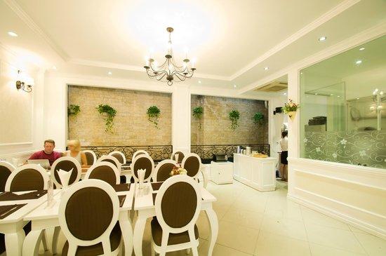 Calypso Suites Hotel : Calypso Restaurant ...