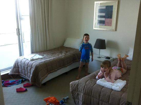 Waterways Luxury Apartments: Kids room