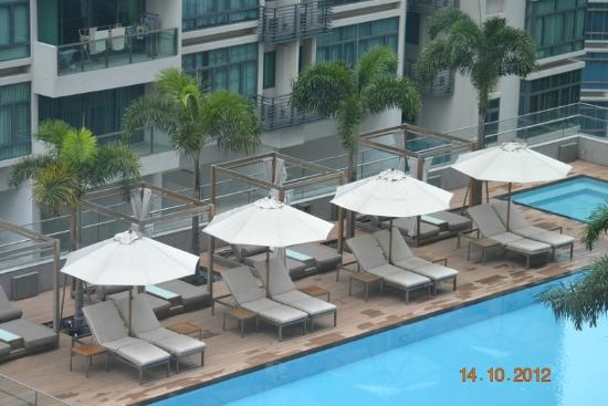 Oasia Hotel Novena, Singapore by Far East Hospitality: Swimming pool view from 11th floor