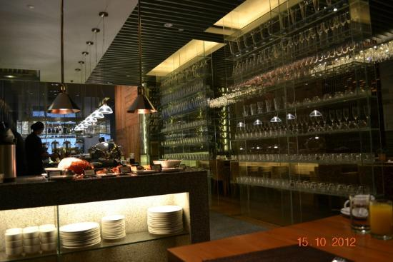 Oasia Hotel Novena, Singapore by Far East Hospitality: Restaurant