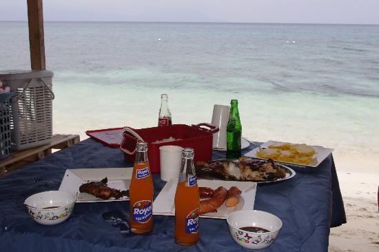 Limasawa Island seaside picnic