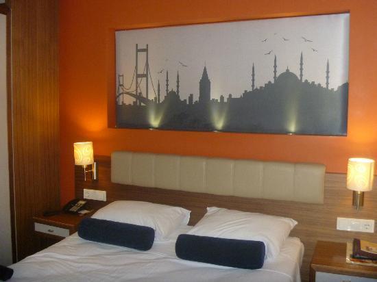 Ambassador Hotel: Room