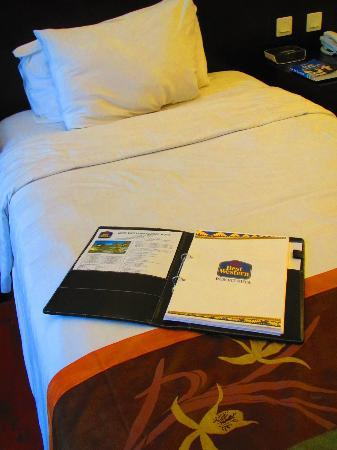 BEST WESTERN Resort Kuta: The bed.