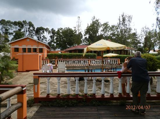 Kluges Guest Farm: view from the pool