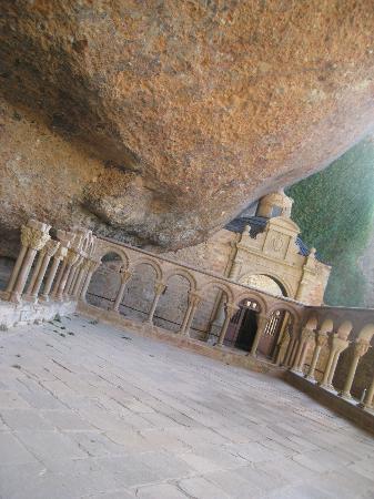 Monasterio de San Juan de la Peña: monasterio antiguo