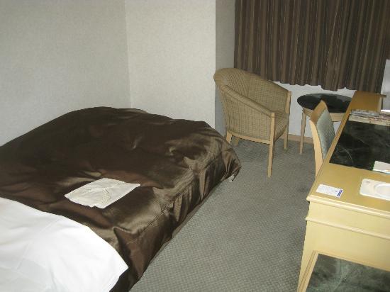 Ozu Plaza Hotel: ベッド