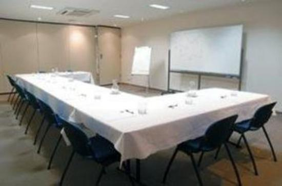 Flagstaff City - Melbourne: Meeting Room