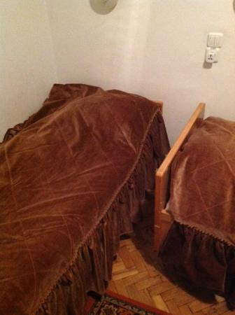 Slavutych Hotel: Beds and covers