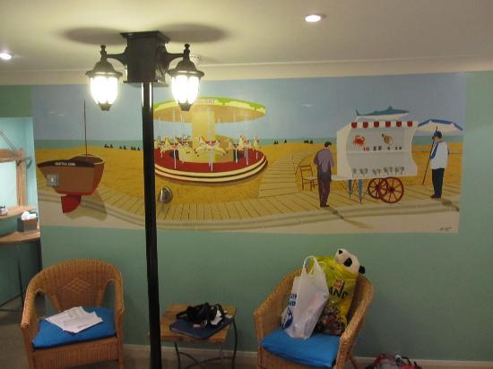 Sea Spray Boutique Hotel: family room mural and lamp post!