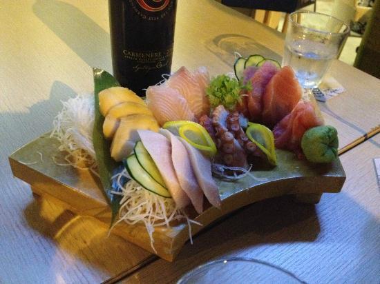 Mad Nest: Sashimi mixed platter