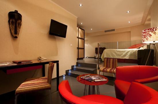 Victoria Hotel: sitting area