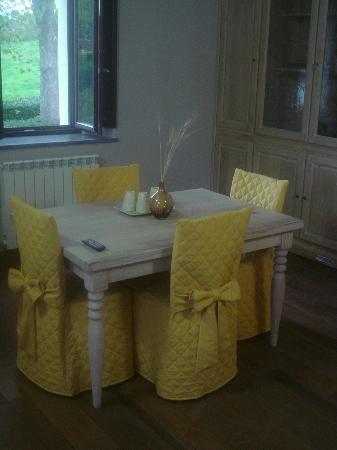 Villa Collio Relais: dettaglio tavolo per 4