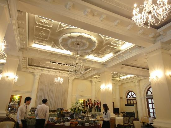Hotel Continental Saigon: 朝食会場