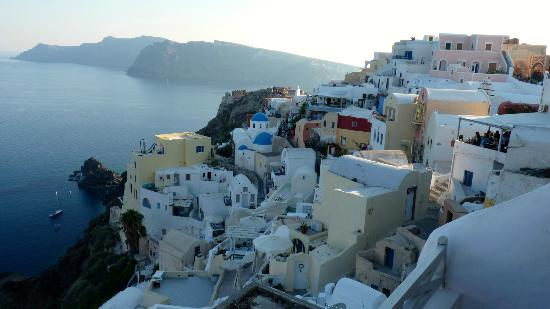 Old Oia Houses: VIEW FROM BALCONY TO RIGHT