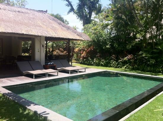 Bali Pavilions: Lovely, pool about 30 degrees!