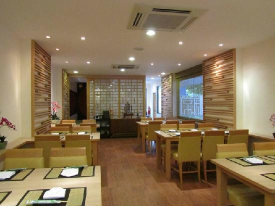 Photo of Japanese Restaurant Joushitsu Sushi at 20/2 Soi Passana1, Ekkamai Rd., Bangkok 10110, Thailand