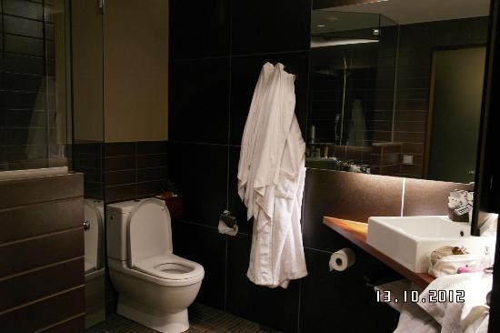 GLO Hotel Kluuvi Helsinki: ванна