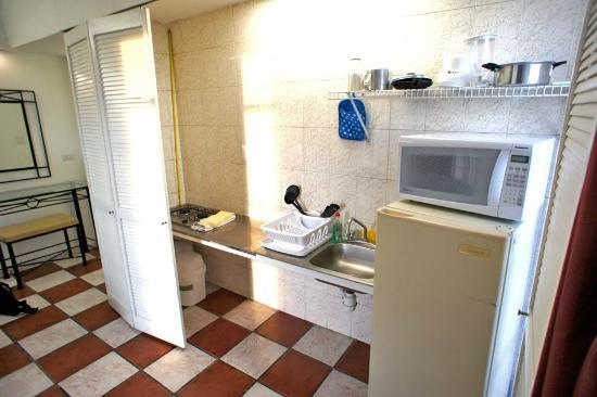 Apartamentos-Hotel Avilla: kitchen