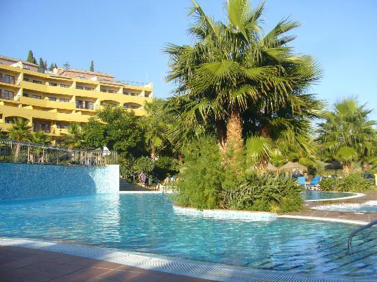 Hotel Best Alcazar: Vista piscina parte baja