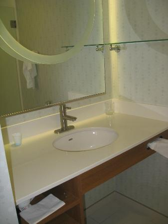 SpringHill Suites Flagstaff: vanity in bathroom