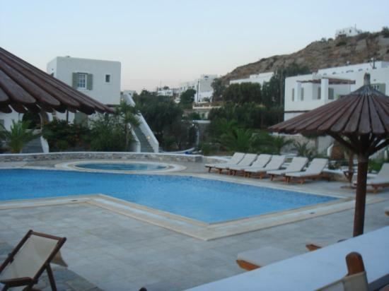 Yialos Ios Hotel: pool area