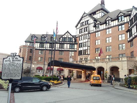 The Hotel Roanoke & Conference Center, Curio Collection by Hilton: Outside